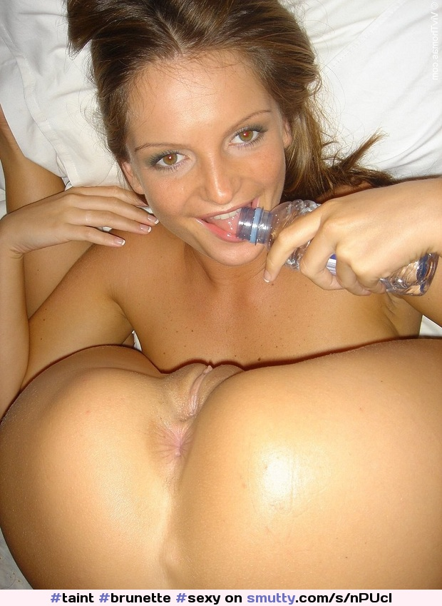 Realy young girls pose naked pornos