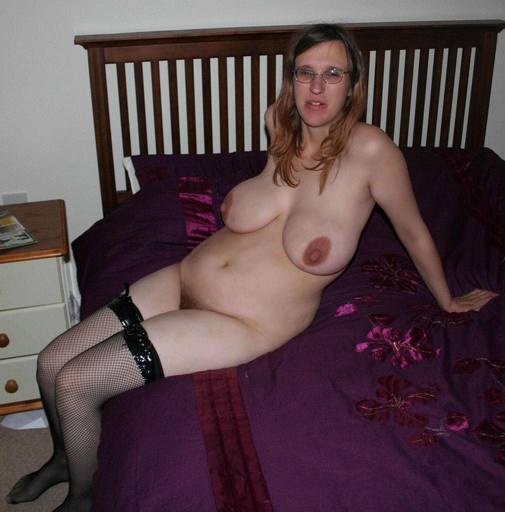 Gifs marure naked ass bent over