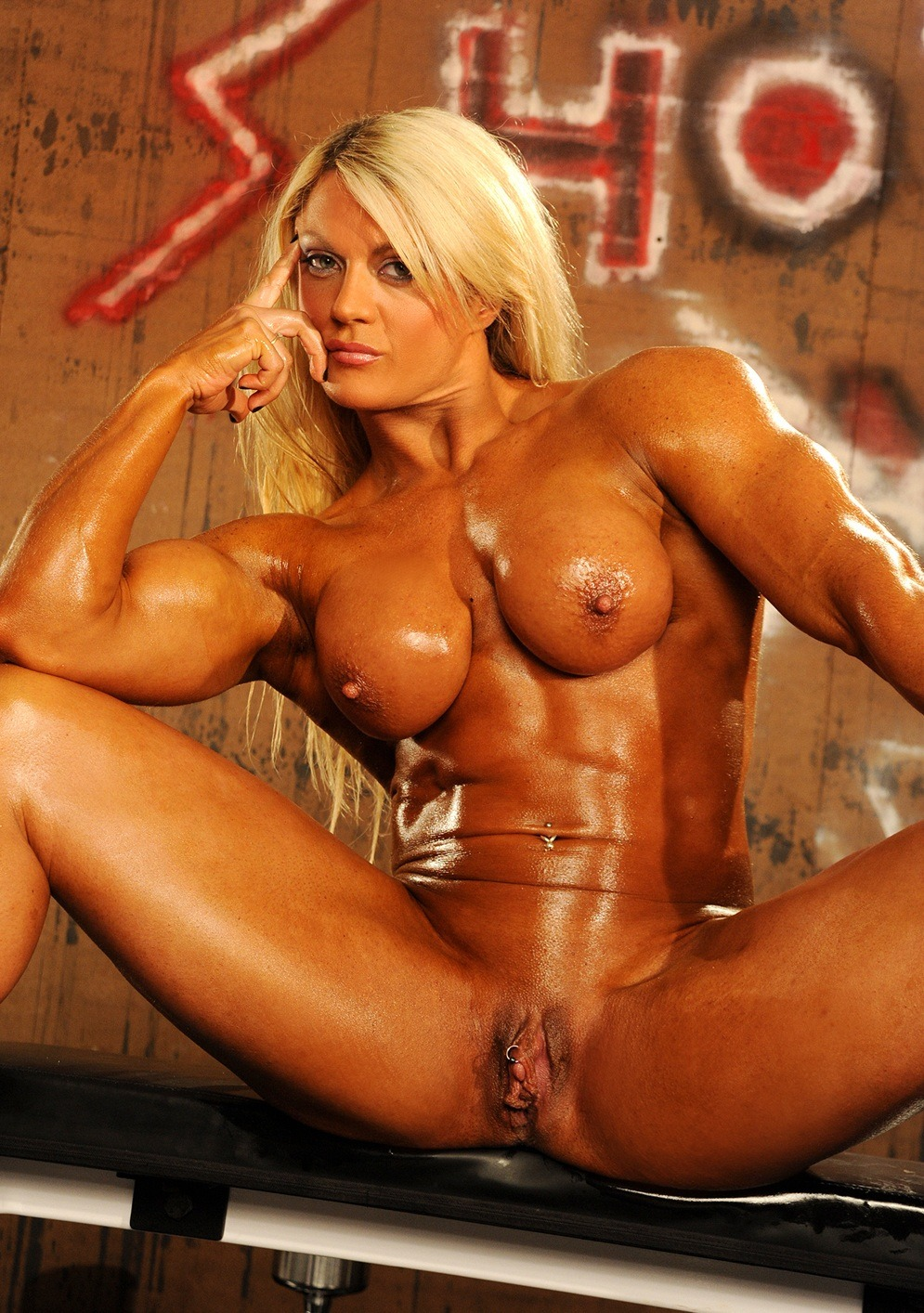 Nude fitness models and female muscle girls photo