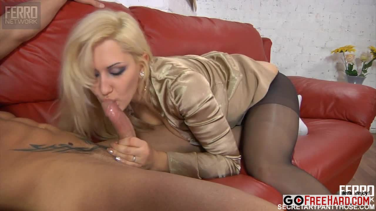 Free milf in pantyhose threeway movies