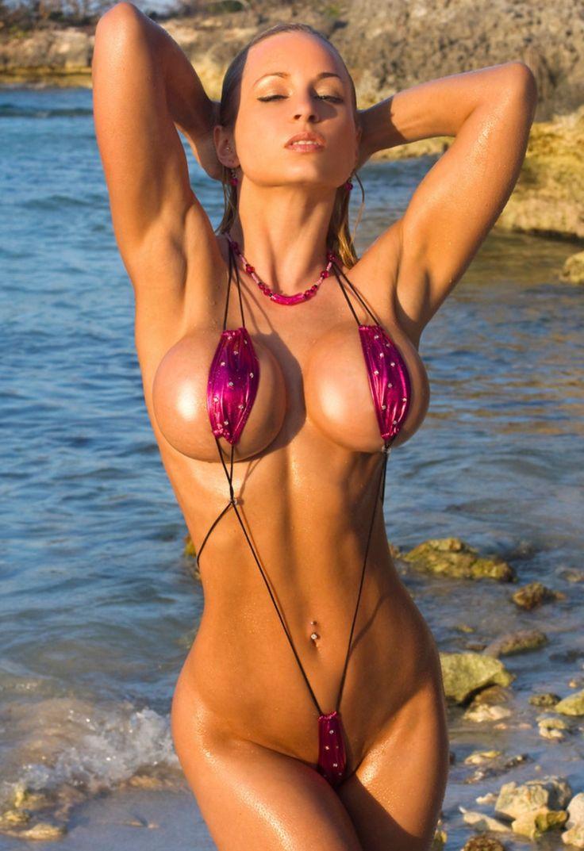 Bejeing swimmer boob