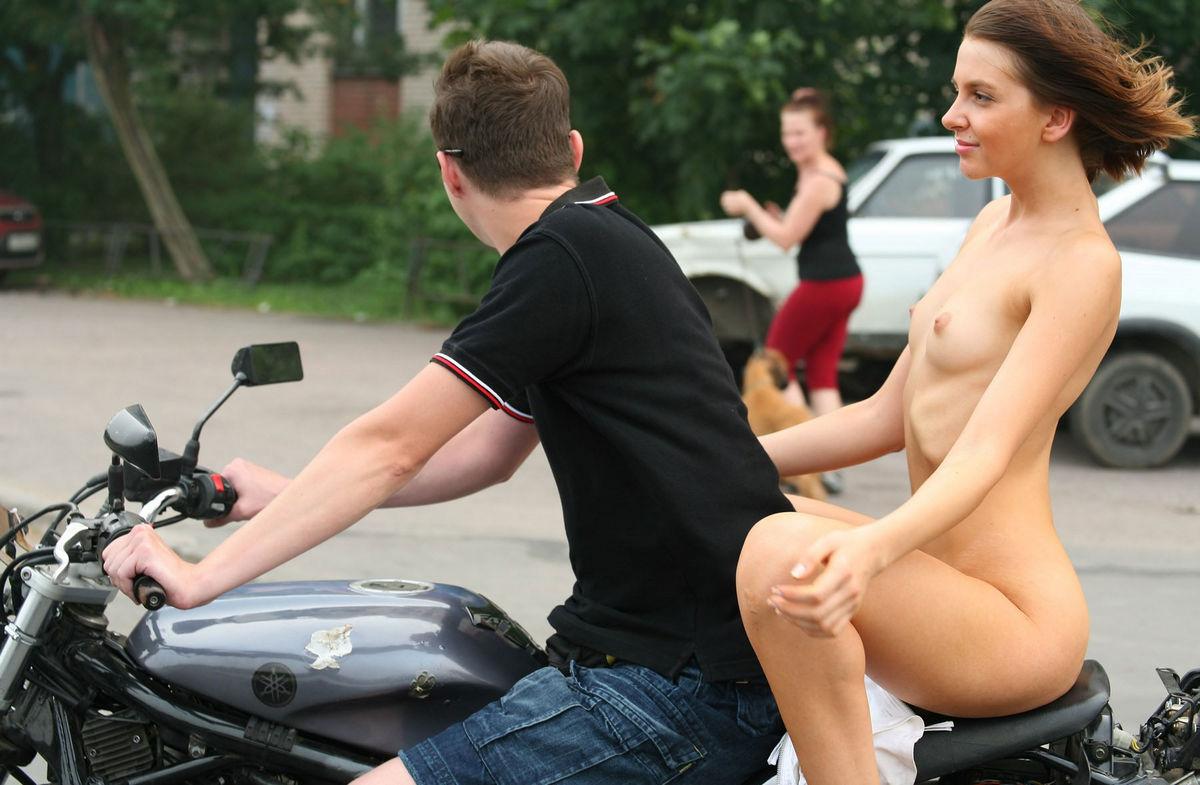 Girl rides guys face