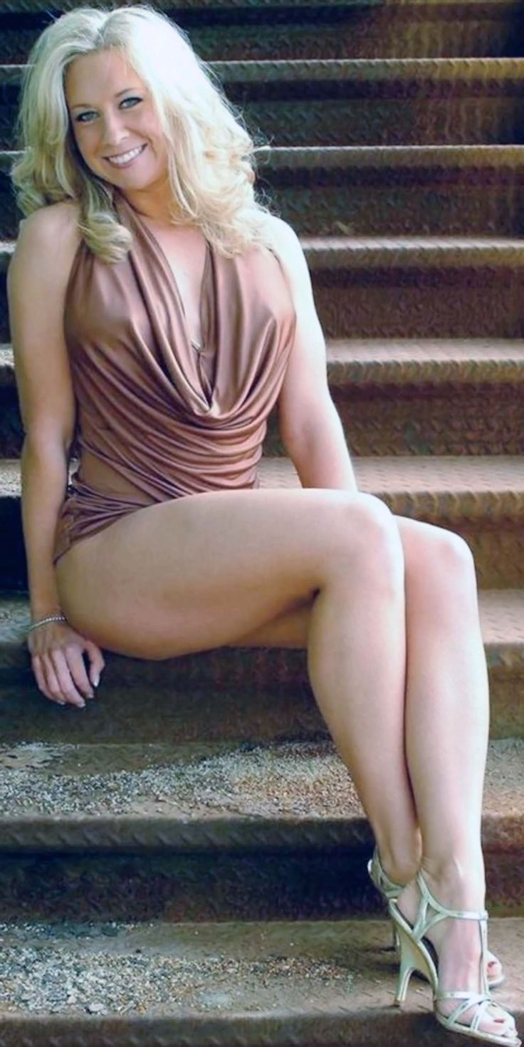 Young top models in pantyhose