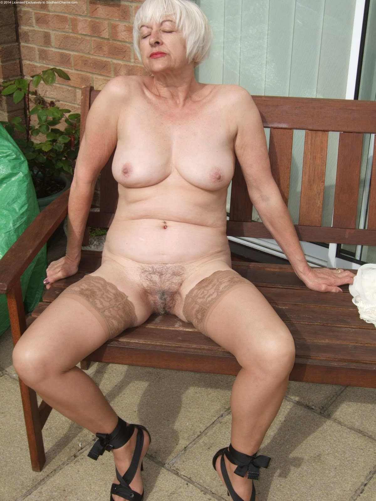 Old Amateur Granny