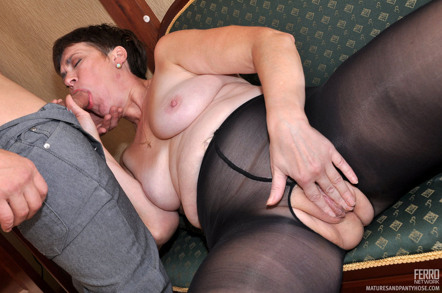 Dog Fuck Mom Mature Babe In Sheer Nylon Pantyhose Getting Fucked By A Dog