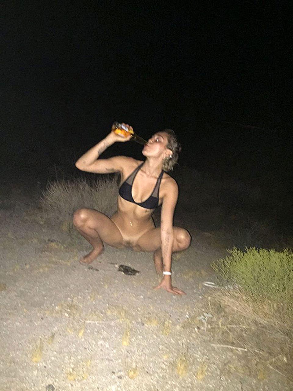 Selena gomez desnuda xxx